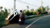 Motorcyclist Avoids Death By Centimeters