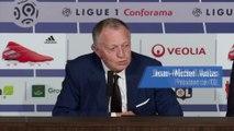 Jean-Michel Aulas très ému lors de la présentation de Juninho - Foot - L1 - OL