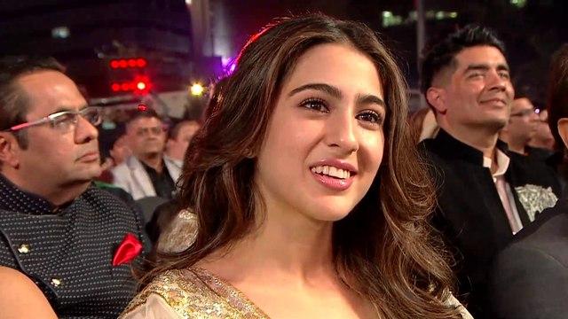 Janhvi Kapoor Full Video   Live Performance   4K   Filmfare Awards 2019