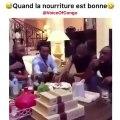 Voilà comment reagissent les congolais quand le repas est délicieux. Hilarant !