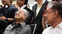 'Saya tetap akan berundur, beri laluan pada Anwar jadi PM'