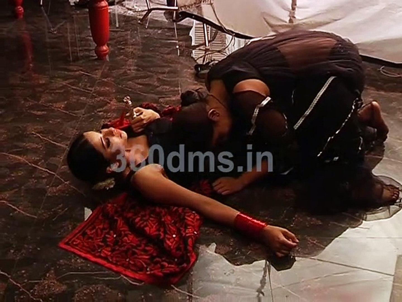 DIVYA DRISHTI   Watch How Drishti Assaulted her sister Divya   दिव्य-दृष्टि