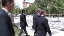 Milli Savunma Bakanı Akar, Orgeneral Hulusi Akar Camii'nde Cuma namazı kıldı