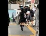 Un homme poursuivi par des écolières après des attouchements dans un train !