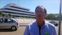 Bésayes: les anti-poulaillers manifestent devant le Crédit agricole de Valence
