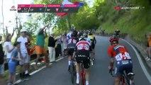 Miguel Angel Lopez frappe le spectateur qui l'a fait tomber