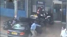 Des policiers font une intervention brutale pour arrêter des braqueurs de banque !