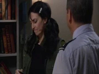 Extrait VF: Vala reçoit ses insignes