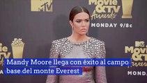 Mandy Moore llega con éxito al campo base del monte Everest