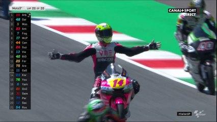 Moto3 - Tony Arbolino remporte la course au finish !