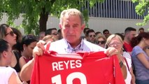 Sergio Ramos attends wake held in Seville for Jose Antonio Reyes