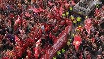 Marée rouge à Liverpool pour accueillir les champions