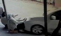 Ehliyetsiz sürücü dehşet saçtı: Kaldırımda oturan kadınlar feci şekilde can verdi