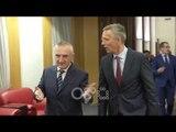 RTV Ora - Meta pret Stoltenberg: Prania e NATO-s në Kosovë, stabilitet për rajonin