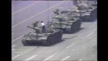 1989: Man stops Chinese tank during Tiananmen Square protests