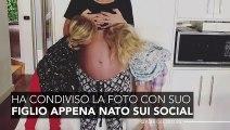 Madre attaccata per aver pubblicato una foto di suo figlio appena nato