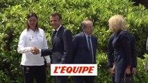 Macron à Clairefontaine pour encourager les Bleues - Foot - CM 2019 (F)