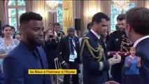 Emmanuel Macron remet la Légion d'honneur aux footballeurs français champions du monde