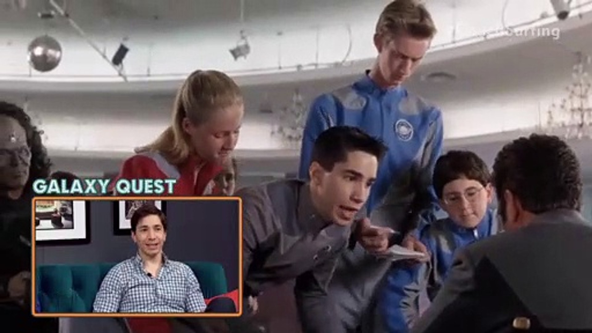 The Extras Had A Field Day With Justin Long In 'Galaxy Quest' | PeopleTV | Entertainment Weekly