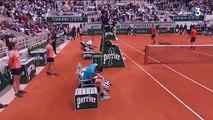 """""""Vous avez déjà joué au tennis ?"""" : en colère, Novak Djokovic interpelle l'arbitre en demi-finale de Roland-Garros"""