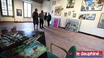 Les 36 peintures d'un artiste hors norme à Hauterives