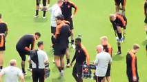 Van Dijk trains with Netherlands as they prepare to face Portugal