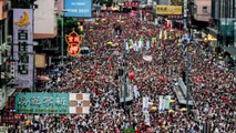 Hundreds of thousands of protesters march in Hong Kong against Chinese extradition bill