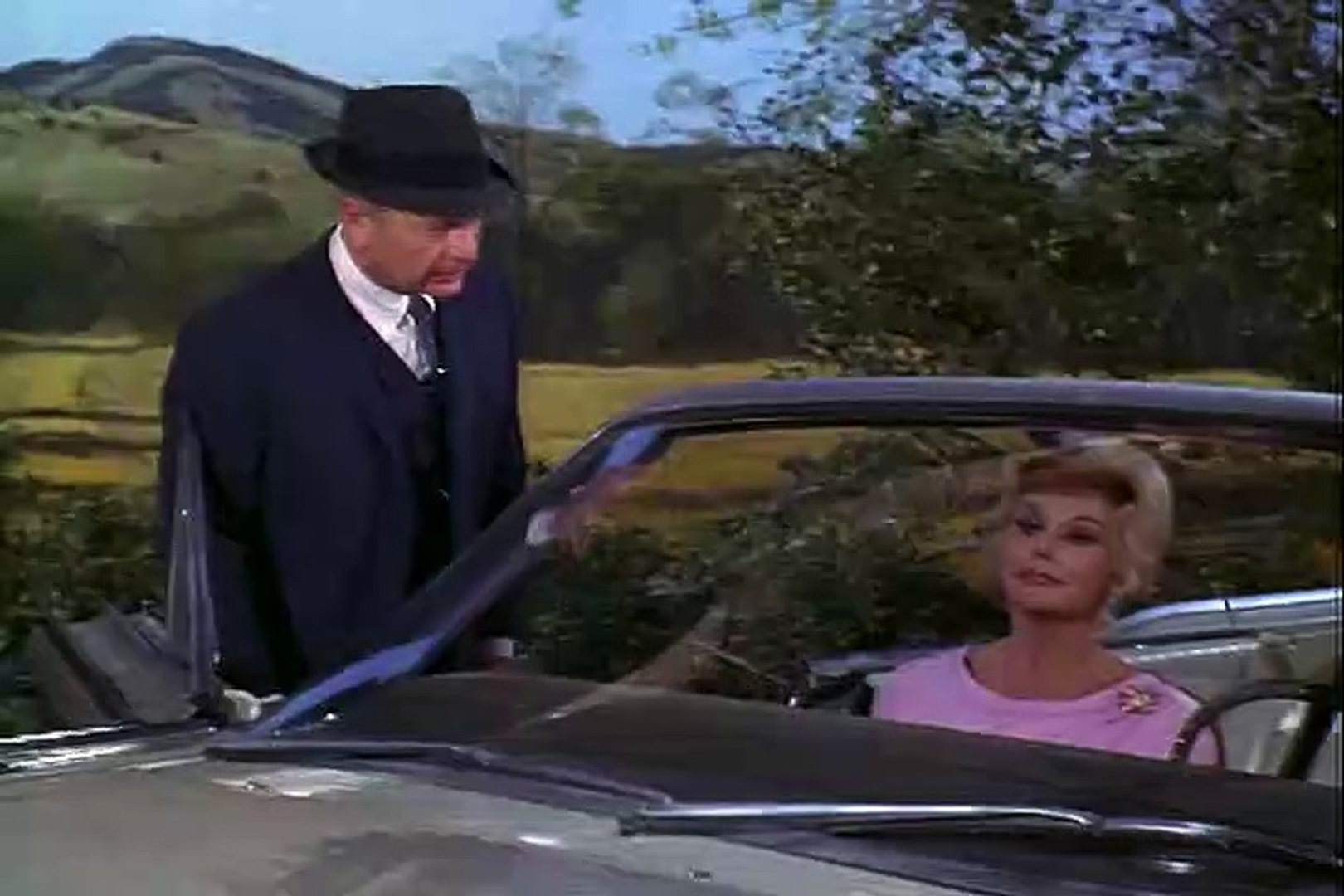 Green Acres  – SE1 – Ep2 – Lisa's First Day on the Farm