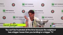 (Subtitled) Nadal's amusing neighbour analogy when asked about Federer