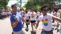 La chaîne ABC retransmet pour la 1ère fois la Gay Pride de Los Angeles : Un présentateur se met à danser en direct