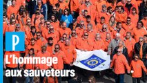 Hommage aux sauveteurs de la SNSM : 15 000 personnes aux Sables d'Olonne