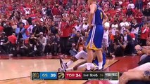 Kevin-Durant-injury-Raptor-fans-chanting-KD-as-he-goes-to-the-locker room