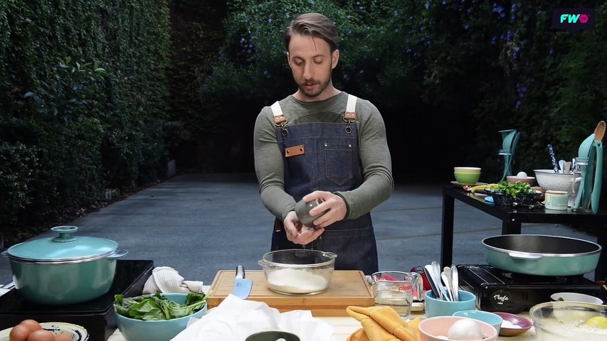 Buñuelos de Espinaca con Salsa Tártara