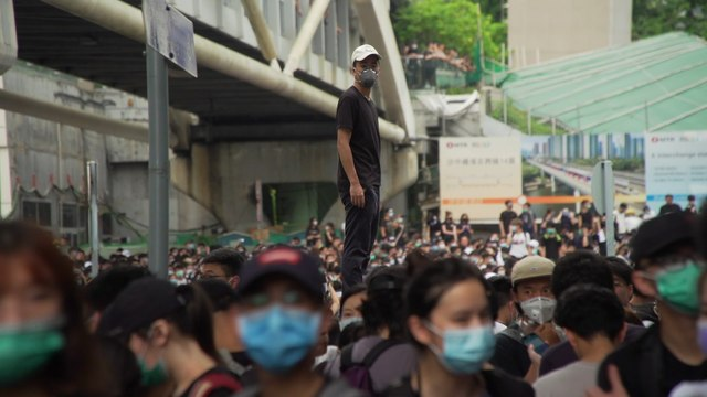 Scenes of defiance as protests escalate against Hong Kong's extradition bill