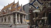 Une statue de David Beckham présente dans un temple bouddhiste