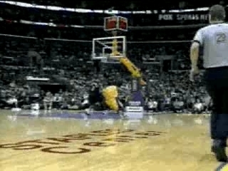 NBA BASKETBALL – Kobe Bryant dunk