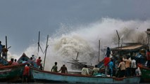 Cyclone Vayu : Gujarat में चक्रवात वायु, 3 Lakh लोगों को सुरक्षित स्थान पर पहुंचाया | वनइंडिया हिंदी