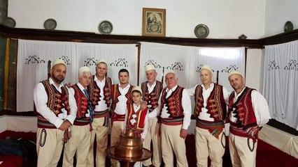 Rati - Potpuri e Shqiperise Mesme (Te keputa porsi nje lule & Lule t'bukra ka Tirona)