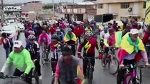 (Subtitled) Giro d'Italia winner Carapaz of Ecuador given hero's welcome in hometown