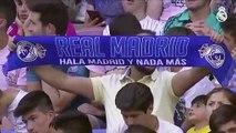 Florentino Pérez y Eden Hazard en su presentación como futbolista del Real Madrid. (AFP)