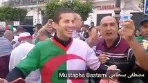 Alger : des manifestants distribuent des boîtes de yaourt pour se moquer d'Ouyahia !