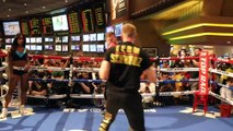 DOES TOM SCHWARZ HAVE TO POWER TO SHOCK TYSON FURY? - COMPLETE PAD WORKOUT (MGM GRAND)