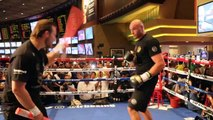 HIT ME IF YOU CAN! - TYSON FURY DISPLAYING THE ART OF SLIPPING SHOTS IN LAS VEGAS / FURY-SCHWARZ