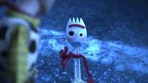 Toy Story 4: Pierre Niney Parle De Fourchette (French Featurette)
