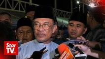 Anwar rubbishes talk that his supporters behind plot to topple Azmin