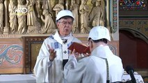 Notre Dame vuelve a albergar una misa dos meses después de su devastador incendio