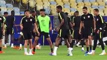 Qatar train and talk at the Maracana Stadium ahead of Paraguay encounter