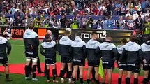 Alors que le Président de la République s'approche de lui, un rugbyman de Toulouse lui demande la nationalité française