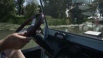 Une voiture amphibie sur la Saône