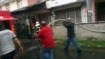 Ereğli'de evin çatısına yıldırım düştü